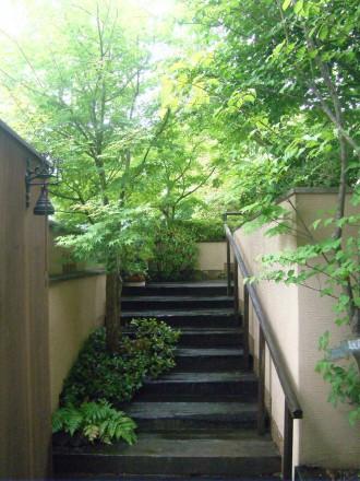 毘沙門通りの家:庭園